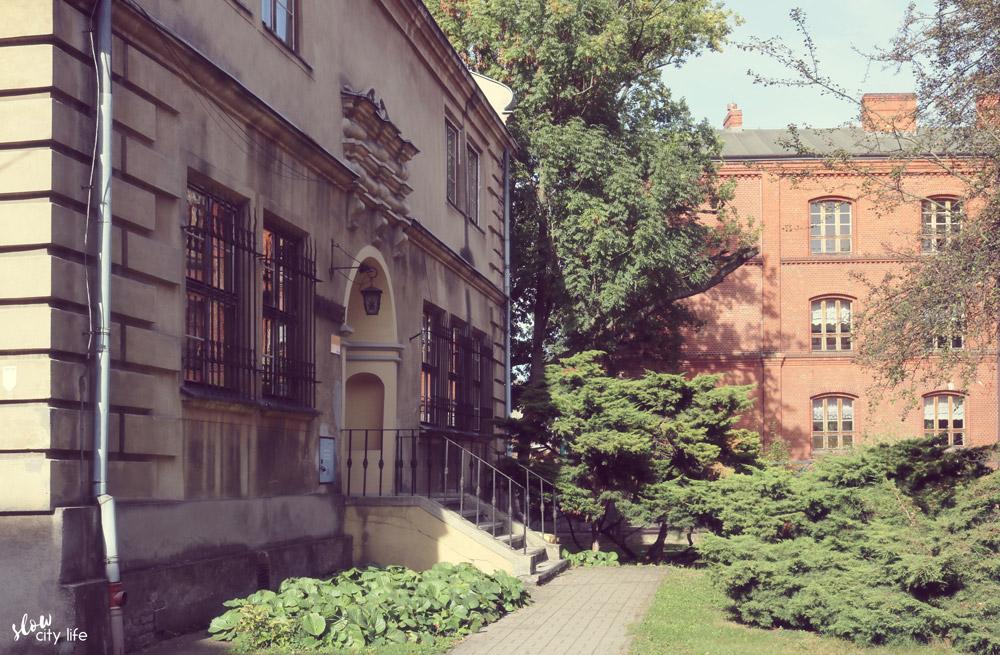 dziennikarska ulica slow miejsce biblioteka dąbie